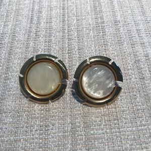 Sarah Coventry Clip-On Earrings Gold Look Edge